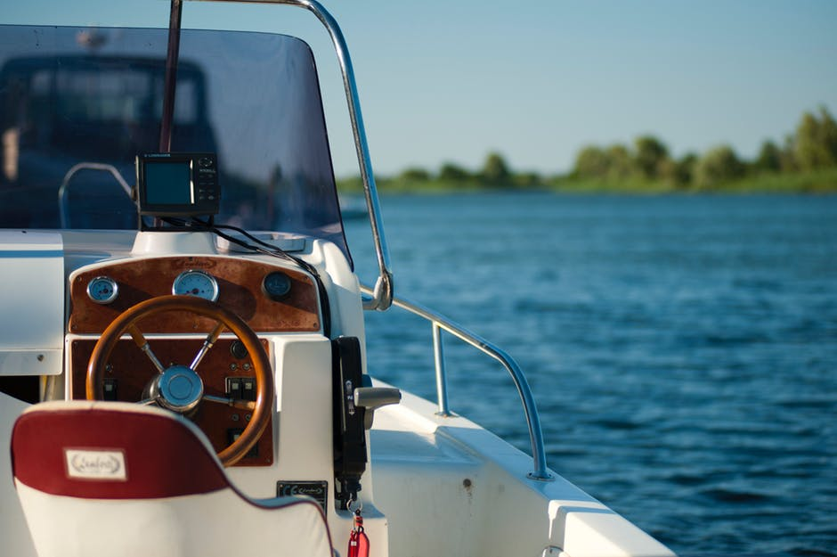 7 Factors to Consider When Choosing Boat Storage Facilities