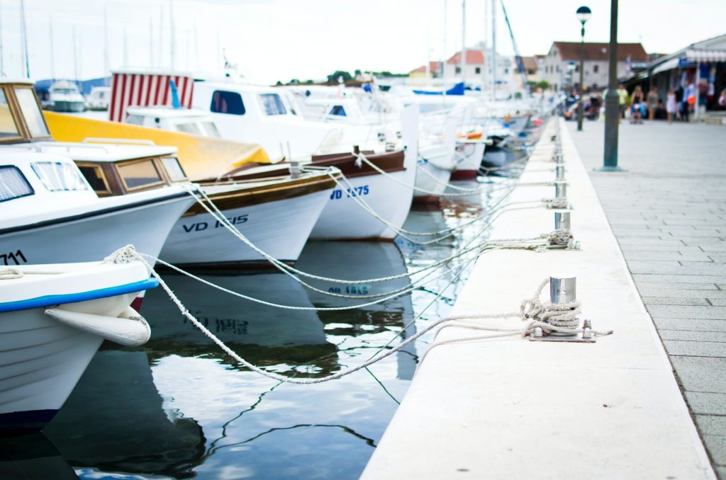 7 Reasons You Should Use a Boat Storage Unit